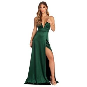 Windsor formal satin green sleeveless dress